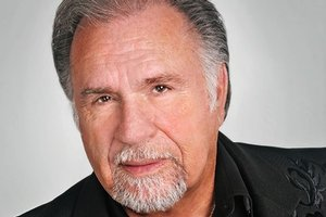 Gene Watson information, schedule, and show tickets for 2020 & 2021 in Branson, MO.