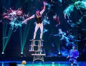 Amazing Acrobats of Shanghai - featuring AMAZE! information, schedule, and show tickets for 2020 & 2021 in Branson, MO.